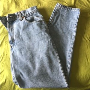 Vintage women's Levi's 550 tapered